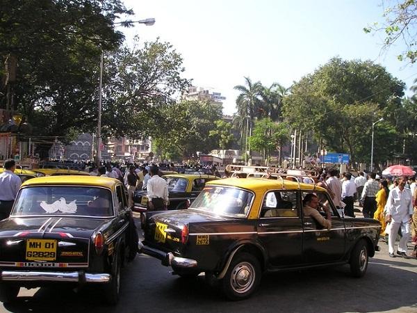インド タクシー
